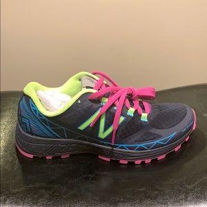 Brand new! Women's new balance trail running shoes